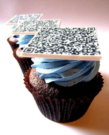 edible_QR_Barcode_Cupcakes